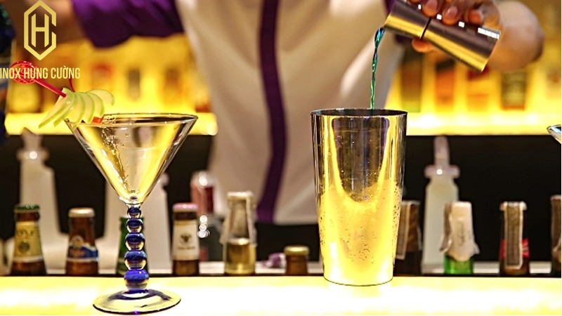 Quầy pha chế cocktail